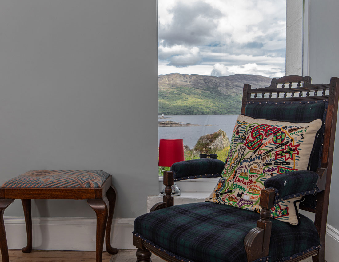 Sea view from the lounge at Eilean Sionnach Lighthouse Cottage