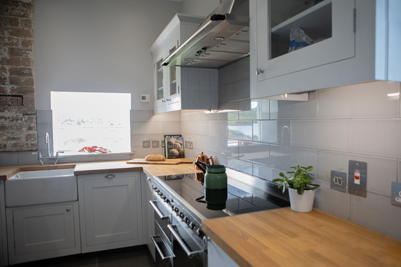 Fully equipped, modern kitchen at Eilean Sionnach Lighthouse Cottage